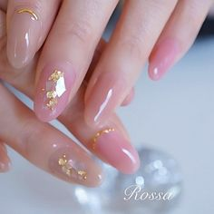 Elegant and graceful shimmering color daha More beautiful with shell and gold leaf . Shell at the beginning: *: (* * `*) . I naildesign Kawaii Nail Art, Cute Nail Art, Cute Acrylic Nails, Cute Nails, Pretty Nails, Acrylic Gel, Korean Nail Art, Korean Nails, Perfect Nails