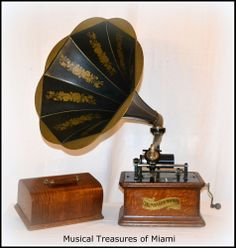 Columbia BKT 2/4-Minute Cylinder Phonograph & Horn