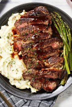 Sheet Pan Steak and Potatoes — Perfectly seasoned, melt-in-your-mouth tender steak and crisp cheesy potatoes — An easy dinner ready in less than an hour! Gourmet Recipes, Beef Recipes, Cooking Recipes, Healthy Recipes, Steak Dinner Recipes, Recipes With Steak, Easy Recipes, Steak Dinners, Steak Dinner Sides