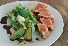 Spiced Salmon :) lovely looking dish! Tuna, Salmon, Spices, Healthy Recipes, Dishes, Meat, Food, Health Recipes, Beef