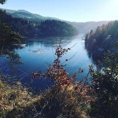 Höllensteinsee #höllensteinsee #Höllenstein #kraftwerk #stausee #bayern #bavaria #bayerischerwald #bayerwald #natur #ic_nature #ic_skies #ic_trees #frozen #travelblog #reiseblog #meinbayern #deinbayern #urlaub #kurztrip