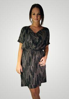 ICHI šaty se vzorem na Desvo