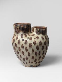François RATY, 1928-1982, Vase Chouettes, Céramique émaillée brun et beige craquelé, 1956, H: 21.7 cm.