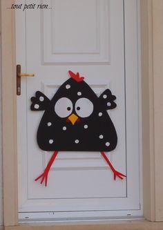 Décors maison – The Best DIY Outdoor Christmas Decor Halloween Skeleton Decorations, Halloween Diy, Easter Art, Easter Crafts, Diy For Kids, Crafts For Kids, Chicken Crafts, Diy And Crafts, Craft Projects
