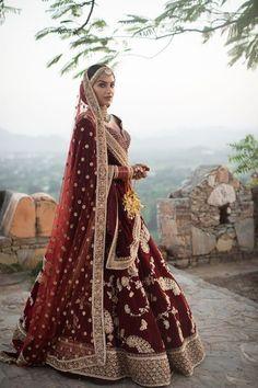 Ideas for indian bridal wear lehenga desi wedding Indian Lehenga, Indian Wedding Lehenga, Bridal Lehenga Choli, Red Lehenga, Lehenga Wedding Bridal, Punjabi Lehenga, Lehanga Bridal, Bengali Wedding, Lehnga Dress