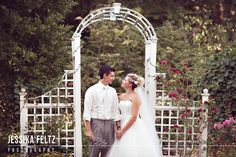 garden wedding, bride and groom poses, summer wedding