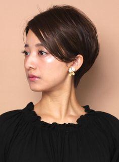 大人のエアリー耳掛けショート(髪型ショートヘア)