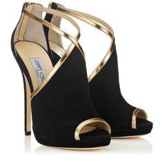 Giocate d'anticipo con le scarpe Jimmy Choo in saldo. Ecco i sandali più belli Jimmy Choo sandalo Fey in saldo a 417.00 euro
