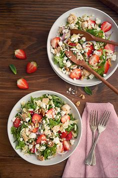 Salade d'orzo, poulet, Feta et fraises - Woolwich Dairy Saputo Cheese, Spinach Salad Recipes, Cooking Recipes, Healthy Recipes, Cheese Recipes, Eat Healthy, Goat Cheese Salad, Entrees, Yummy Food