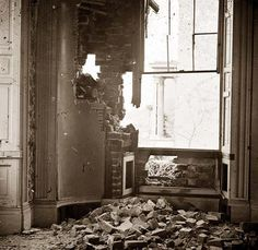 Petersburg, Virginia. Interior of a mansion after being hit by a Union shell -- Bollingbrook street. It was made in 1865.