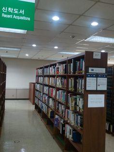 KAIST 도서관 신착도서코너!  KASIT 도서관에서는 최근 입수된 도서를 2층 217번서가 '신착도서코너'에 비치하고 있습니다.