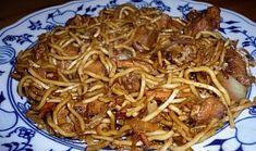 Čínské smažené nudle s kuřecím masem Top Recipes, Asian Recipes, Ethnic Recipes, Easy Cooking, Cooking Recipes, European Cuisine, Blueberry Bread, Czech Recipes, Food 52