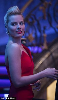 Margot Robbie says glamorous roles are like 'playing dress up' Margot Robbie Wedding, Atriz Margot Robbie, Arlequina Margot Robbie, Actress Margot Robbie, Margot Robbie Harley Quinn, Blonde Makeup, Movie Photo, Best Actress, Ravenclaw