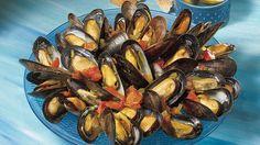 Moules à la provençale   Recettes IGA   Fruits de mer, Tomates, Recette rapide