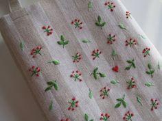 刺繡のミニバッグ(ポーランドリネンW) 2x