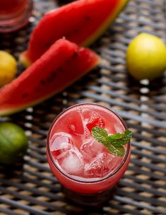 Fresh Watermelon Iced Tea recipe to recharge your energies during summer season. Watermelon's are readily available throughout the year in India. Usually drink a lot of watermelon juice Watermelon Ice Tea Recipe, Lemon Iced Tea Recipe, Iced Tea Recipes, Coffee Recipes, Drink Recipes, Mango Iced Tea, Iced Chai Tea, Iced Tea Cocktails, Detox Drinks