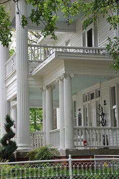 5 Fabulous Front Porches.  White southern
