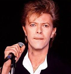 The vocals in Never Let Me Down (song) are really weird and I don't think David was doing it easily • • #davidbowie#damndavid #bowie #bowieforever #neverletmedown #glassspider #80s #thinwhiteduke #ziggystardust #letsdance #seriousmoonlight