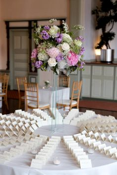 Read about wedding table arrangements twine Check the webpage for more info. Circle Wedding Seating, Wedding Reception Decorations, Wedding Table, Dream Wedding, Wedding Day, Wedding Stuff, Wedding Arrangements, Table Arrangements, Chicago Wedding