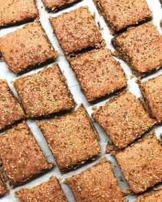 Gluten free and vegan cinnamon biscuits for today ✨ crunchy outside and chewy inside 💚 many kisses 😚 Μπισκότα κανέλας με φαγόπυρο και πετιμέζι για τα αγόρια μου σήμερα, αφού θα έχω τρία στο σπίτι μαζί με τον κολλητό του μεγάλου μου γιου 🙂 Καλή συνέχεια στην μέρα σας εύχομαι 😙😙😙 τρέχω να τους πάρω ✌🏻 #cinnamon #biscuits #lovetobake #veganforeverything #glutenfreevegan #glutenfree #greekfoodblogger #healthygut  #eatrealfood #boysmum #instafood #gfhappy Cinnamon Biscuits, Health Fitness, Gluten Free, Sweets, Vegan, Cookies, Desserts, Food, Chef Recipes