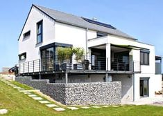 This and many more houses are available at Fertighaus.de  your home-building from one source: fast inexpensive and from certified suppliers.