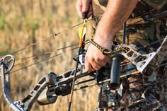 Top 5 - Best Compound Bow.  Top 5 Ready-to-shoot compound bow for sale.