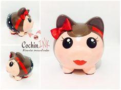 Consulta esta foto de Instagram de @cochinink_alcancias • 10 Me gusta Pin Up, Cute Piggies, Pigs, Piggy Banks, Instagram Posts, Crafts, Portrait Frames, Doll Eyes, Painted Pottery