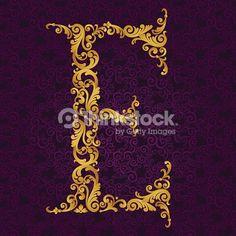 Arte vectorial : Gold font type letter E, uppercase.