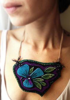 Un favorito personal de mi tienda Etsy https://www.etsy.com/es/listing/465072948/collar-necklace-satyagraha-pieza-unica