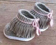Crochet PATTERN. Vans style baby sneakers. by ShowroomCrochet