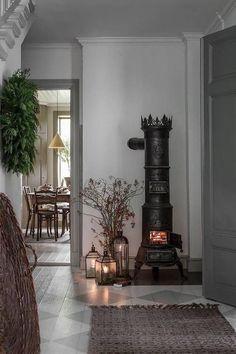 Gorgeous stove. #shabbychichomesrustic