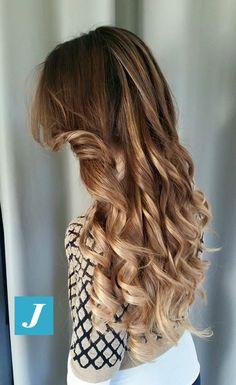 Stile Degradé Joelle. #cdj #degradejoelle #tagliopuntearia #degradé #welovecdj #igers #naturalshades #hair #hairstyle #haircolour #haircut #fashion #longhair #style #hairfashion
