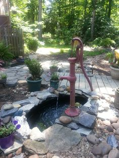 Easy Diy Garden Projects You'll Love Outdoor Water Features, Water Features In The Garden, Garden Yard Ideas, Diy Garden Projects, Old Water Pumps, Garden Fountains, Water Fountains, Small Ponds, Ponds Backyard