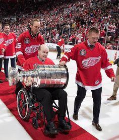 Darren McCarty, Kris Draper, Vladimir Konstantinos with the Stanley Cup on Detroit Sports, Detroit Tigers, Sports Teams, Hockey Baby, Ice Hockey, Hockey Games, Hockey Players, Red Wings Hockey, Go Blue
