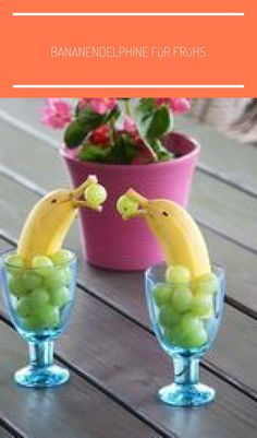 Banana Dolphins with grapes. Your kids sure love them! The pampering banana dolphin . - Banana Dolphins with grapes. Your kids sure love them! The comforting banana dolphins get a smile o - Healthy Waffles, Savory Waffles, Cute Food, Yummy Food, Deco Fruit, Food Art For Kids, Creative Food Art, Fruit Decorations, Salad Decoration Ideas
