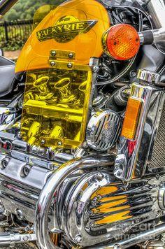Honda Valkyrie 1 by Steve Purnell