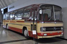 Bus Camper, Camper Trailers, Mercedes Benz Bus, M Benz, Old M, Classic Pickup Trucks, Engin, New Bus, Bus Coach