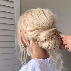 Hair Tutorials For Medium Hair, Up Dos For Medium Hair, Medium Hair Styles, Short Hair Styles, Messy Wedding Hair, Bridal Hair Updo, Wedding Hair And Makeup, Wedding Half Updo, Bridal Hair Tutorial