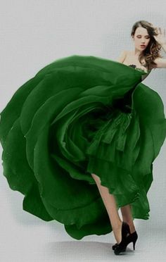 Luxurious Lady loving the Luxury Lifestyle and her Couture! Green Gown, Green Fashion, Emerald Green, Emerald City, Shades Of Green, Green Colors, Lady, Favorite Color, Beautiful Dresses