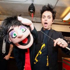 Billie Joe Armstrong and his puppet Billy Green Day, Green Day Billie Joe, Hello Green, Go Green, Emo Bands, Music Bands, Rock Bands, Green Day Band, Jason White