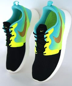 Nike 'Roshe Run Hyperfuse' Sneaker - StackDealz