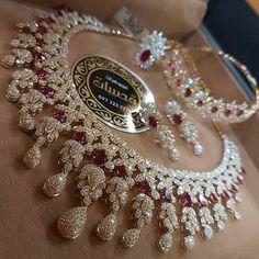 Diamond Necklaces : Likes, 101 Comments - مجوهرات_قصيبات ( on . - Buy Me Diamond Indian Wedding Jewelry, Indian Jewelry, Bridal Jewelry, Gold Jewelry, Fine Jewelry, Stylish Jewelry, Luxury Jewelry, Jewelry Sets, Fashion Jewelry