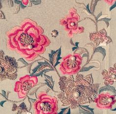 Haseen :'D Tambour Embroidery, Indian Embroidery, Hand Embroidery Designs, Embroidery Thread, Floral Embroidery, Embroidery Patterns, Machine Embroidery, Lesage, Needlework