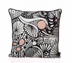 Fushion Cushion - black