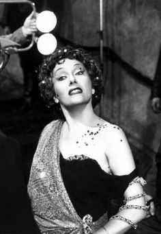 """Gloria Swanson as Norma Desmond in 'Sunset Boulevard', 1950. """"I AM big. It's the pictures that got small!""""   M/X"""