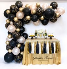 Happy New Year DIY Balloon Garland Kit. Black Champagne and 16 Balloons, Custom Balloons, Balloon Garland, Balloon Decorations, Graduation Decorations, Birthday Decorations, Graduation Centerpiece, Graduation Balloons, Graduation Ideas