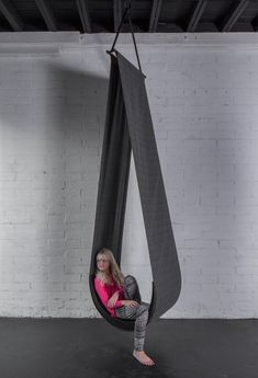 Funky Furniture, Home Furniture, Furniture Design, Plywood Furniture, Chair Design, Bedroom Furniture, Swing Seat, Porch Swing, Deco Cuir