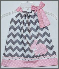 Modern Chic Chevron Stripe Applique Bunny Rabbit Dress Gray and Pink Sewing For Kids, Baby Sewing, Sewing Ideas, Fru Fru, Sewing Appliques, Little Fashionista, Cute Outfits For Kids, Baby Boutique, Little Girl Dresses