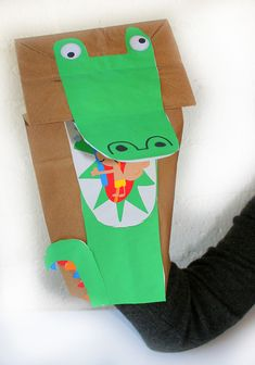 Super fun craft. Paper animal Puppets with and easy free downloadable template!