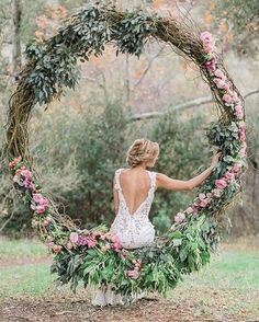 The lush greens + blush roses give off a Southern romantic element that gives us all the feels.